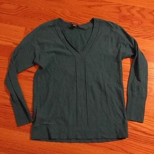 Eddie Bauer v neck lightweight sweater